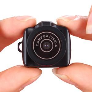 Caméra 2 millions de pixels audio vidéo photo avec mémoire de 8Go