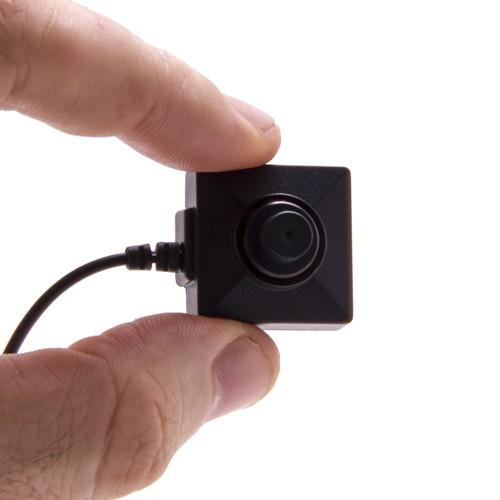 Caméra filaire CCD 550 lignes 0.2 lux bouton et vis couleur et audio