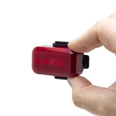 Balise GPS / GSM pour vélo cachée dans un feux arrière dans la main