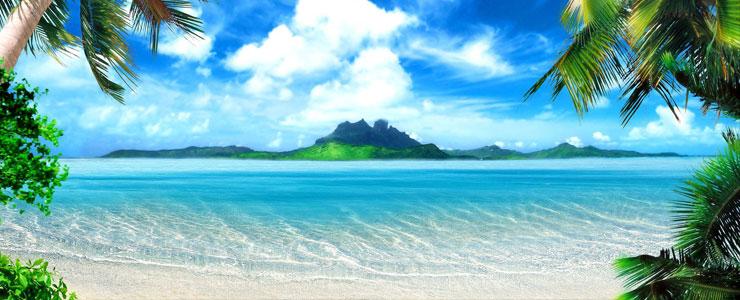 Plage paradisiaque avec une île en fond